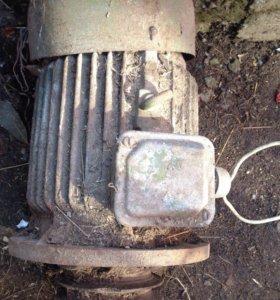 Двигатель электрический