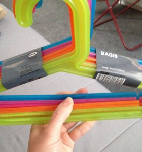 Вешалки IKEA цветные новые детские
