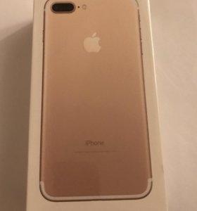 iPhone 7+128г золото