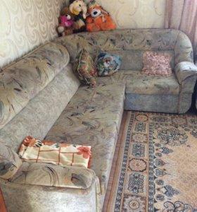 Угловой диван+кресло и журнальный столик