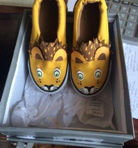 обувь детская мальчику ,можно и на девочку