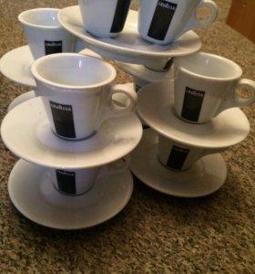 Кофейные чашки маленькие с блюдцами 8 штук . 2 зап