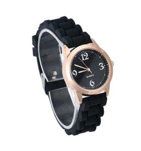 Новые кварцевые часы с силиконовыми ремешками