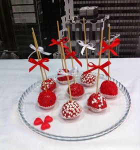 Кейк-попсы (бисквитные с разными начинками)