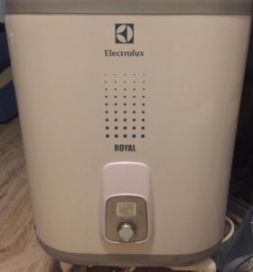 Водонагреватель Electrolux EWH 30 Royal