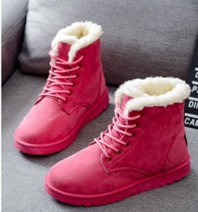 Ботинки женские новые.