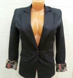 Пиджак черный 42