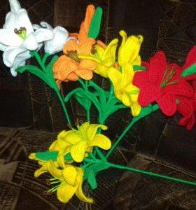 Лилии вязанные