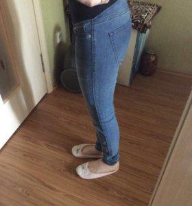 Двое джинс для беременных H&M