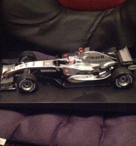 Коллекционная машинка Formula 1