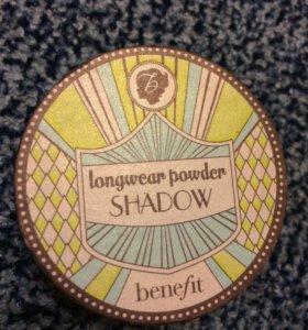 Benefit . Пудровые тени для век.