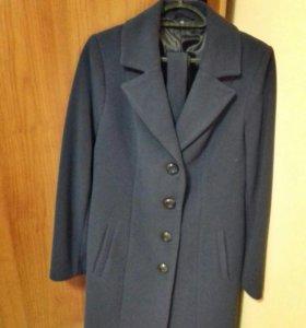 Пальто новое 46 размер