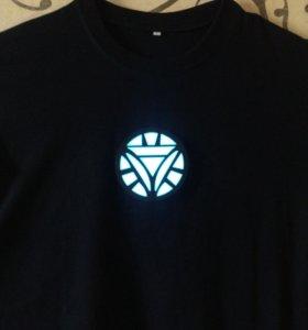футболка с реактором Железного Человека