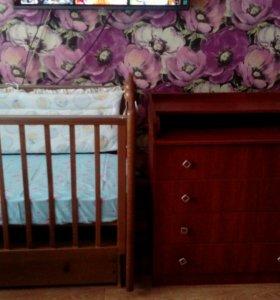 Детская кроватка+комод с пеленальным столиком