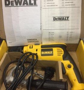 Дрель DeWalt DWD024S