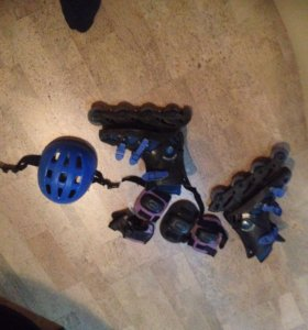 Ролики 39-40размер наколенники налокотники шлем