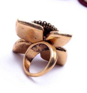 Кольцо дизайнерское 18-19 размер