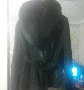 Натуральная куртка с песцовым воротником