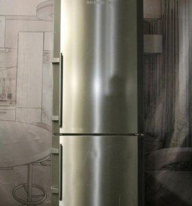 Холодильник б/у Liebherr CUNesf 3503