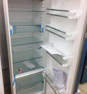 Однокамерный холодильник Liebherr KPef 4350