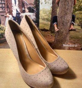 Туфли на высоком каблуке Stradivarius