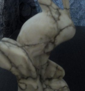Антиквариатная статуэтка