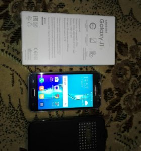 Телефон Samsung Galaxy j1