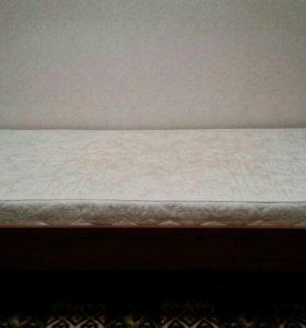 Продаю кровати с матрасами