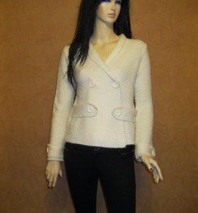 Модный свитер(кофта) Vitrin