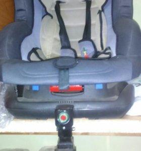 Автомобильное кресло 2 шт