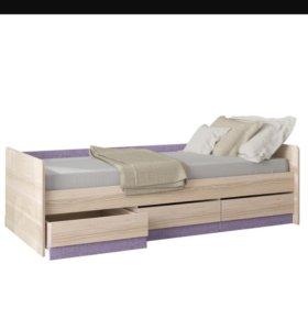 Кровать с тремя ящиками