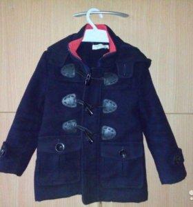 Пальто на мальчика в отличном состоянии