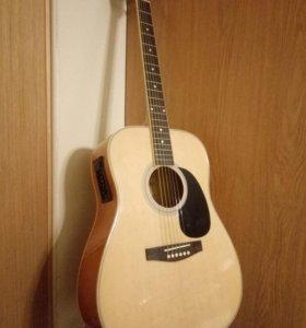 Электроакустическая гитара с чехлом