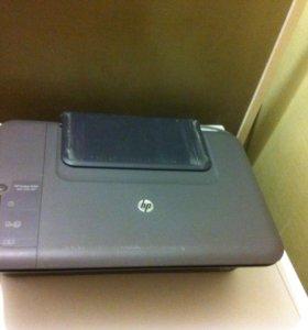 Принтер HP Deskjet 1050.