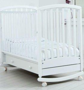 Детская кроватка и матрасик (не б/у)