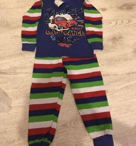 Продам новую пижаму для мальчика 5 лет