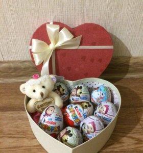 Яйца киндер в подарочной коробке с игрушкой