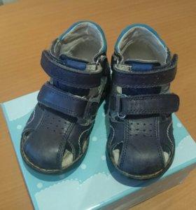 Летние ботинки сандали