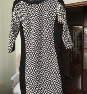 Платье женское черно-белого цвета
