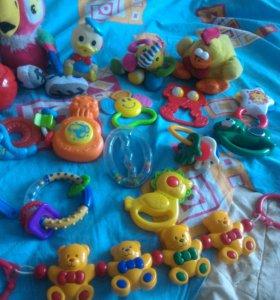 Детские игрушки 0 +