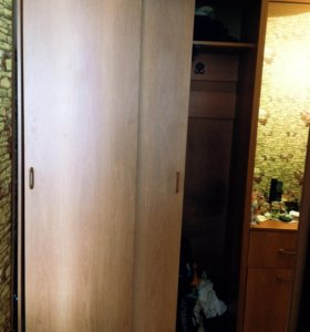 Прихожая. Шкаф-купе, тумба с зеркалом и обувницей