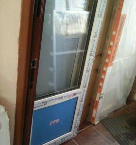 Дверь металлопластиковая
