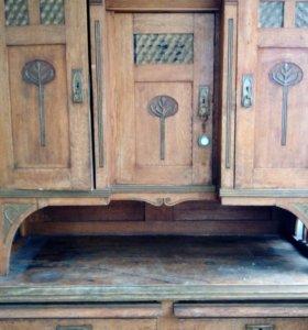 Старинный шкаф 30--40 годов