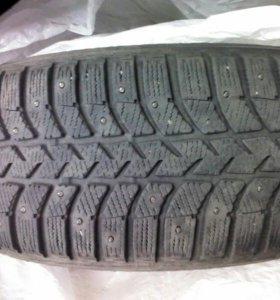 Зимние шины R15(3 единицы)