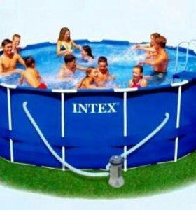Бассейн INTEX раскладной с металлическим каркасом.