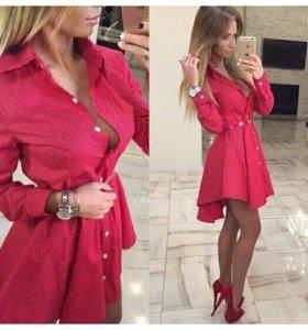 красивое красное платьеце.