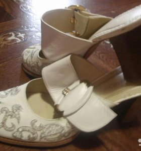 Обувь отличные сабо