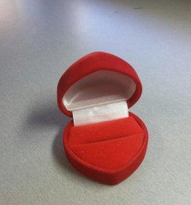 Для кольца футляр
