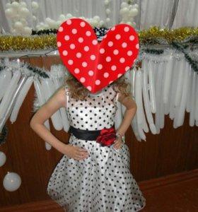 Платье на девочку7-8 лет