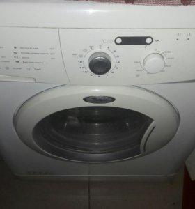Продаю стиральную машину в хорошем состоянии .Торг